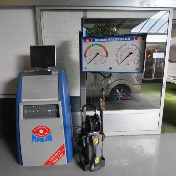 Onze werkplaats voor onderhoud, schadeherstel, reparaties, inbouwen van accessoires etc.